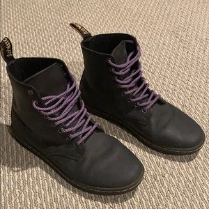 Dr Martens men size 8 all leather AirWair high top